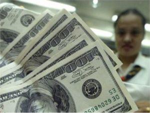 El dólar se inquieta y sube, mientras el real se sigue depreciando