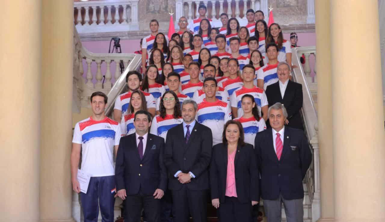 Paraguay apuesta al desarrollo del deporte y entrega becas a 72 atletas de élite