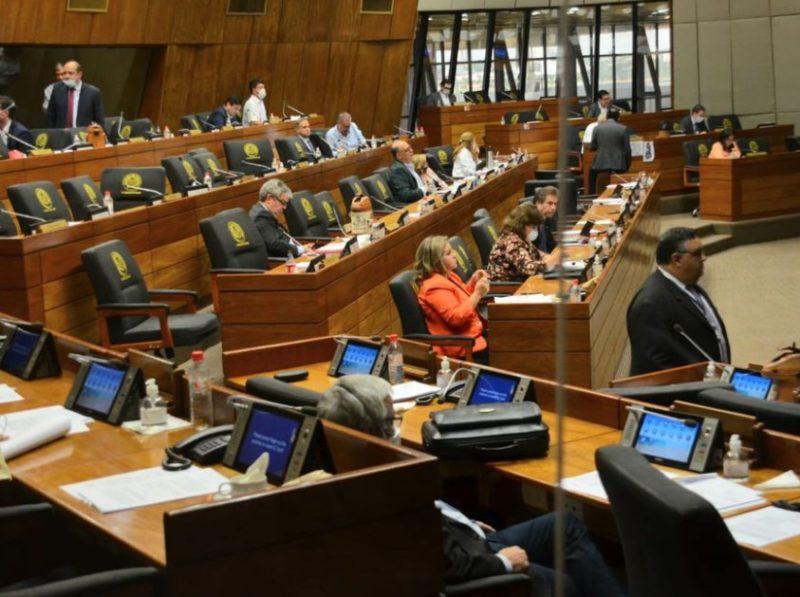 Senadores dejan sin quórum sesión para tratar prohibición las contrataciones de parientes